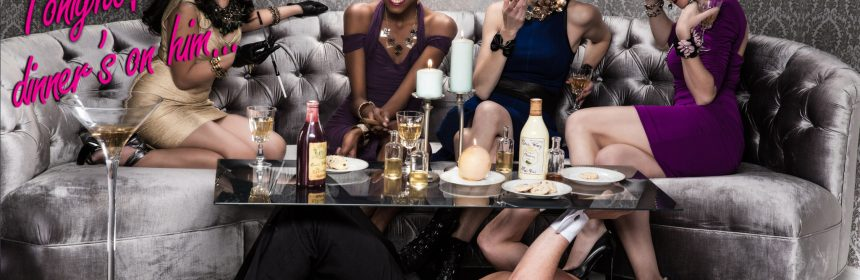 stripper als tafel op vrijgezellenfeest